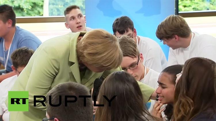 Video: Niña palestina llora ante Merkel tras nula respuesta a su solicitud de asilo