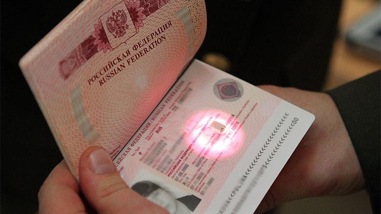 La UE desmiente a Kiev: No se anularán los visados a los rusos que visiten Crimea