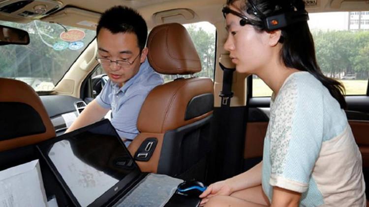 Investigadores chinos presentan un auto manejado por la mente