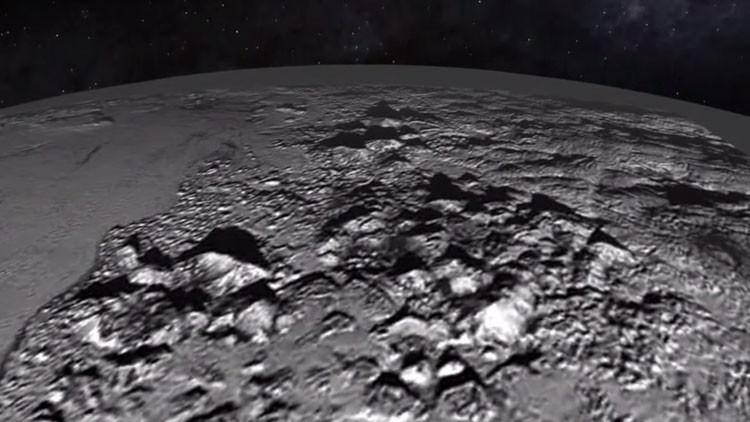 Video: Espectacular 'paseo' por las montañas heladas de Plutón