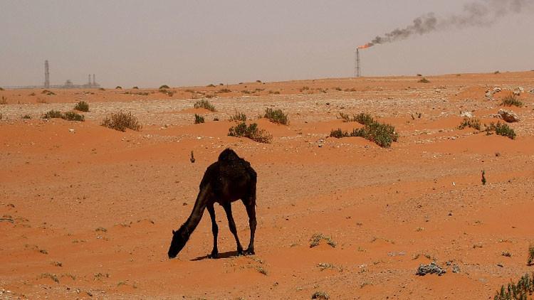Arabia Saudita lanza una nueva 'guerra' de exportaciones petroleras