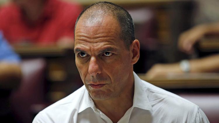 """Varufakis sobre el nuevo rescate griego: """"Es un gran desastre"""""""