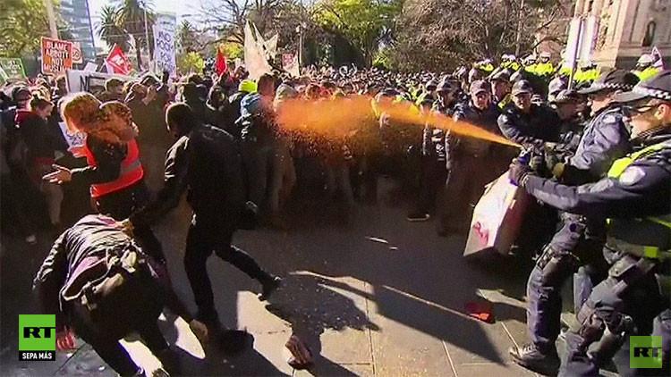 Australia: Violentos choques al reventar los antiislamistas una marcha contra el racismo
