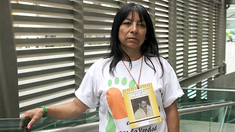 Luz Elena Galeano, cuyo marido estaría en la fosa común de Medellín.