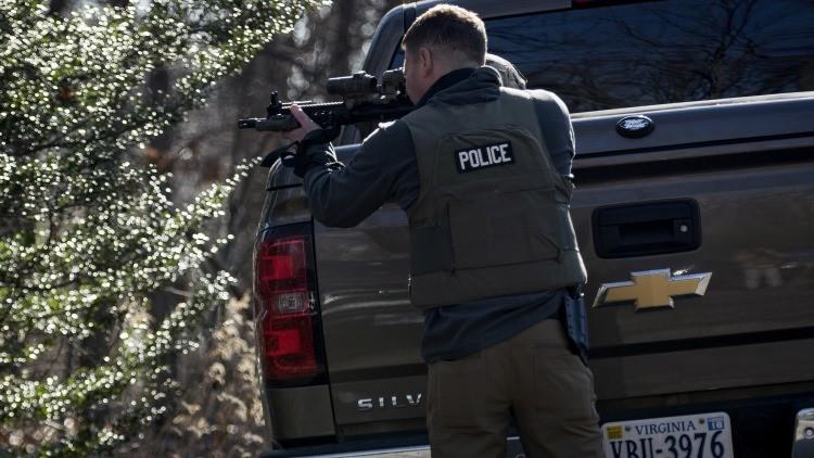 Psicólogos revelan por qué los policías de EE.UU. disparan a civiles desarmados