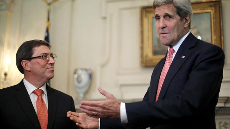 """John Kerry: Base de Guantánamo """"no forma parte de las discusiones""""  entre EE.UU.-Cuba"""