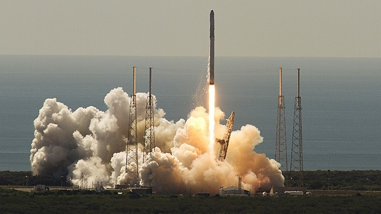 Elon Musk revela la causa del fracaso del cohete propulsor Falcon 9