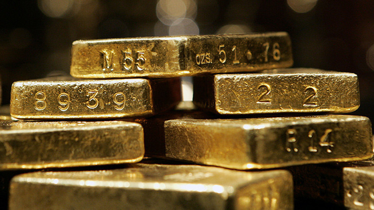 ¿Por qué cae el precio del oro?