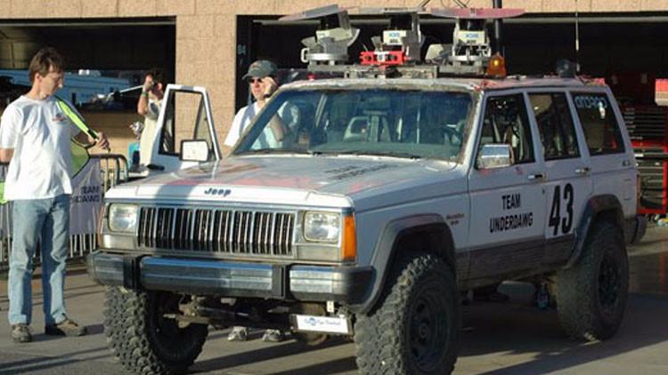 EE.UU.: 471.000 coches bajo amenaza del 'hackeo' tras el ataque a un Jeep Cherokee