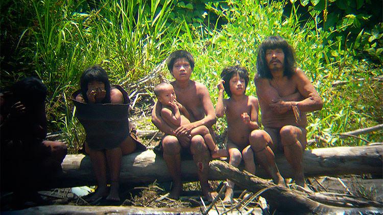 Fotos: Publican nuevas imágenes de una tribu amazónica aislada