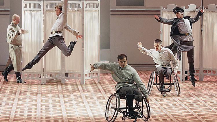 Bailarines en silla de ruedas actúan por primera vez en el Bolshói (Fotos, video)