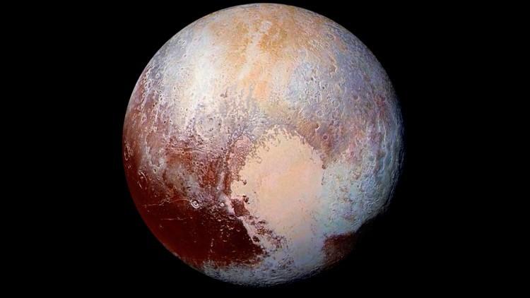 La NASA divulga el sobrevuelo de dos grandes regiones de hielo de Plutón