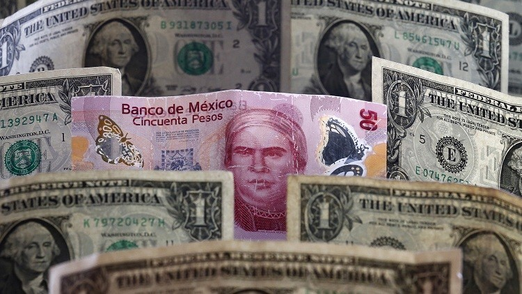Las 5 razones por las que la subida del dólar en 16,40 pesos afecta a cada mexicano