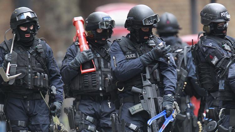 Policía británica filtra por error un polémico plan secreto antiterrorista