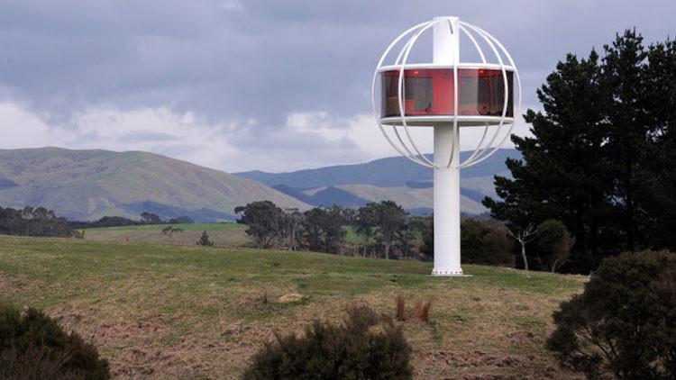 Un ingeniero se construye una guarida 'hi-tech' en una colina despoblada (Fotos)