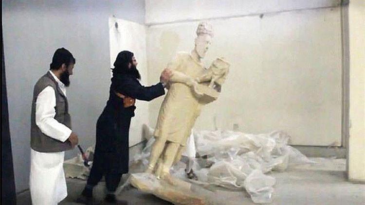 """""""Martillos de ignorancia"""": La historia antigua borrada por la brutalidad del Estado Islámico"""