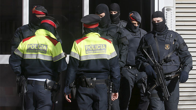 Acusan a los cuerpos de seguridad en Cataluña de proteger a las mafias del narcotráfico de Barcelona