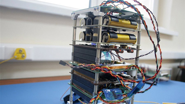 En Rusia prueban el primer nanosatélite dirigido a través de un celular