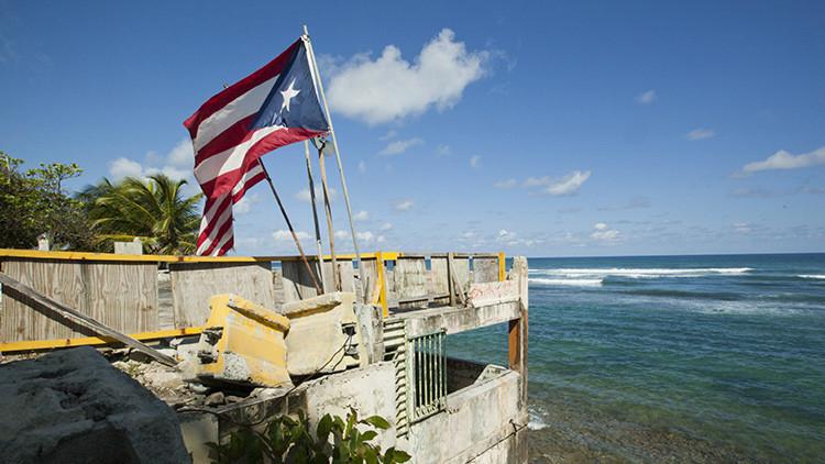 """""""Estamos solos"""": ¿Por qué la situación en Puerto Rico es peor que en Grecia?"""