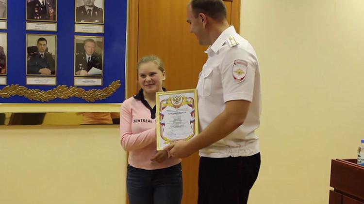 'Mujer maravilla' a la siberiana: con solo 15 años logra detener a un atacante armado