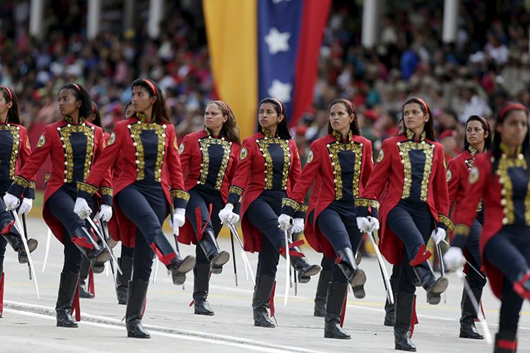 Venezuela muestra su poderío militar en el aniversario del Acta de Independencia