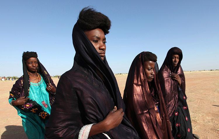 Conozca la tribu en la que las mujeres tienen el poder y todos los maridos que quieren