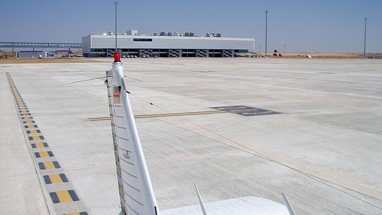Claves para entender por qué un aeropuerto español 'se vende' por 10.000 euros