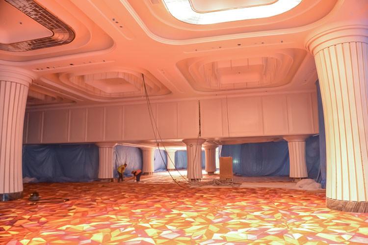 Fotos: El impresionante 'Las Vegas' de Siberia, a punto de abrir sus puertas