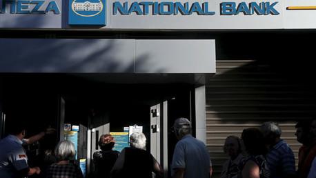 ¿Y ahora qué?: Grecia trata de recobrar el pulso económico al reabrir bancos