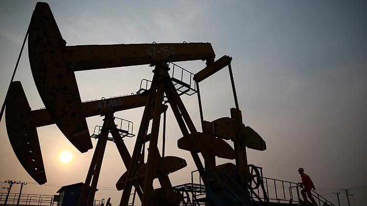 China iniciará la extracción de petróleo en Irán antes de que se levanten las sanciones