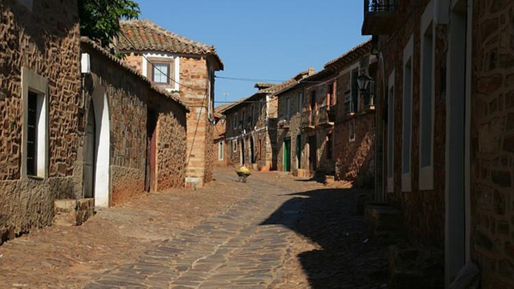 Aldeas enteras en remate:  ¿Cuánto cuesta tener tu propio pueblo en España?