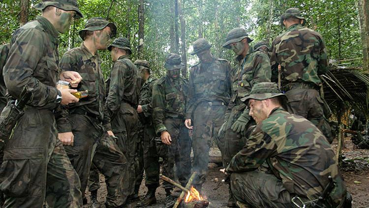 """""""¡Bang, bang!': la falta de municiones obliga a los soldados holandeses a imitar los disparos"""