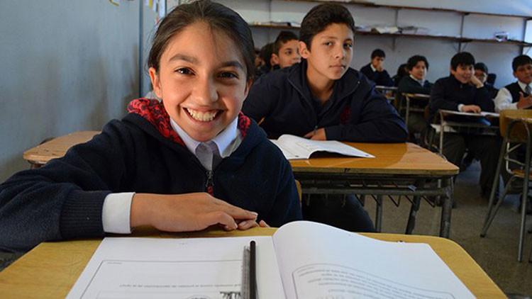 ¿Cuáles son mejores alumnos en matemáticas y escritura de América Latina?