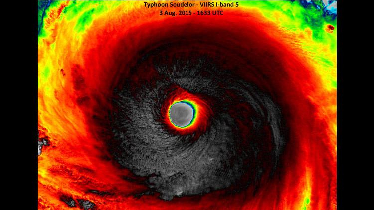 La tormenta más poderosa del 2015 avanza peligrosamente a través del Pacífico