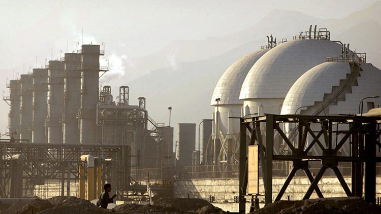 El precio de crudo cae a niveles mínimos desde el desplome del enero
