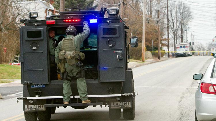 EE.UU.: Un hombre armado amenaza con detonar una bomba en Lakebay