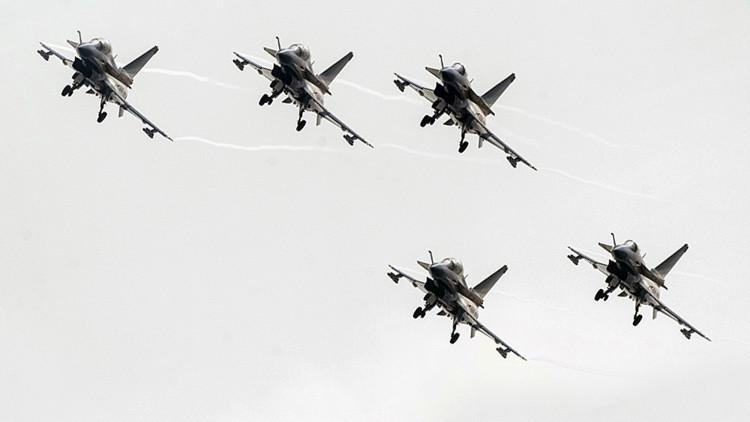 China estudia proporcionar a Irán un importante número de cazas Chengdu J-10