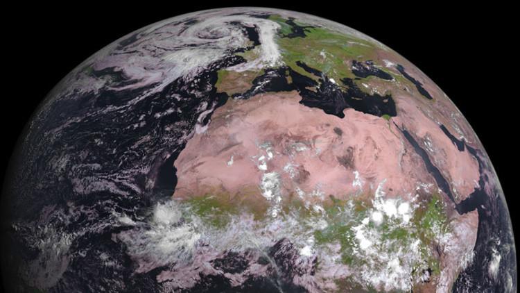 Elsatélite meteorológico MSG-4 envía sus primeras imágenes de la Tierra