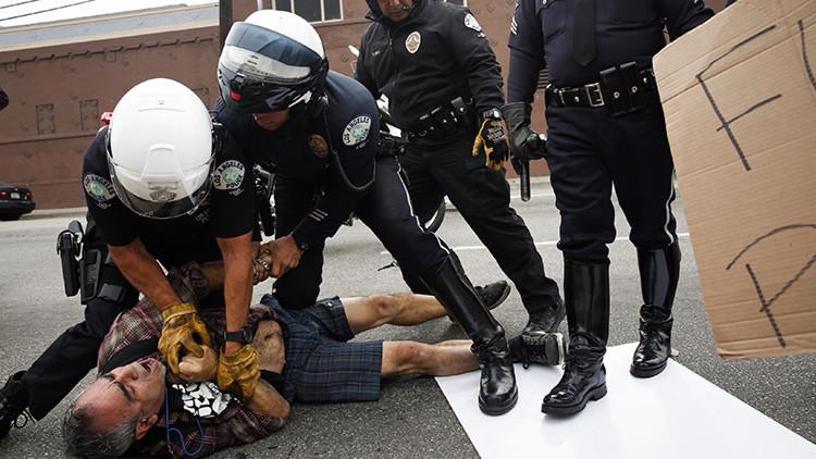 ¿Cómo se castigan las agresiones a un policía en distintos países?