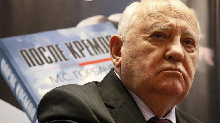 """Gorbachov califica el poderío militar de EE.UU. como """"obstáculo insuperable"""" para un mundo seguro"""