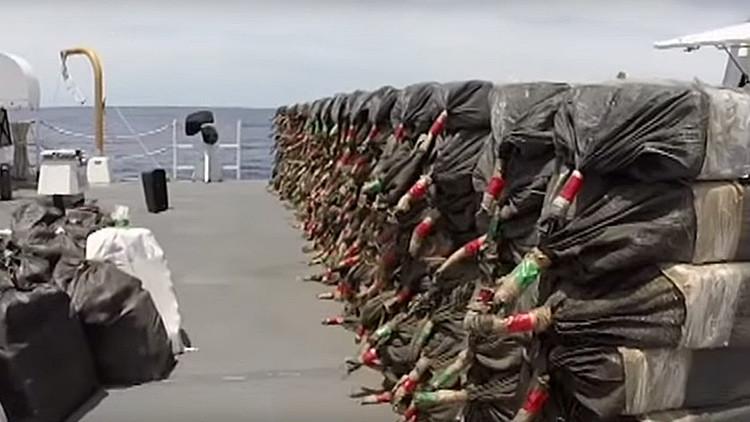 La Guardia Costera de EE.UU. pierde casi 2 toneladas de cocaína en el Pacífico (video)