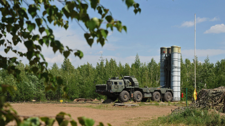 Entran en funcionamiento los sistemas antimisiles rusos S-400 con 600 kilómetros de alcance