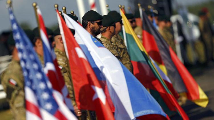 """""""La OTAN se sume en una niebla existencial con medidas insuficientes y estúpidas"""""""
