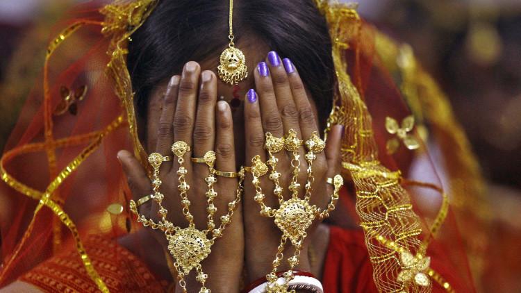 Una mujer india a quien le hicieron casarse a 11 meses de edad busca anular el matrimonio