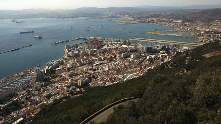 """Nuevo escándalo: Reino Unido acusa a España de """"violar su soberanía"""" en Gibraltar"""