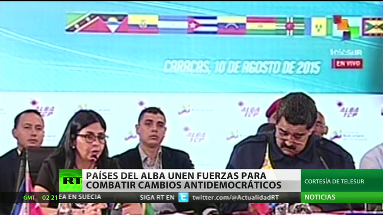 """Maduro insta a los países del ALBA a unirse contra los """"golpes suaves"""""""