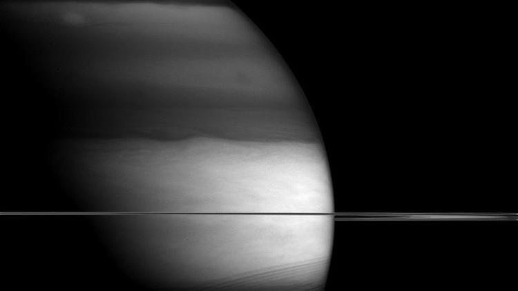 La NASA publica una sorprendente foto de Saturno