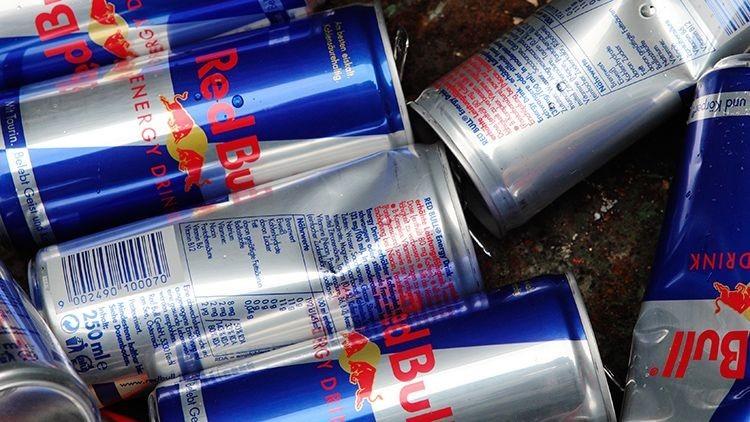 Una mujer pierde la vista tras ingerir diariamente 28 latas de Red Bull