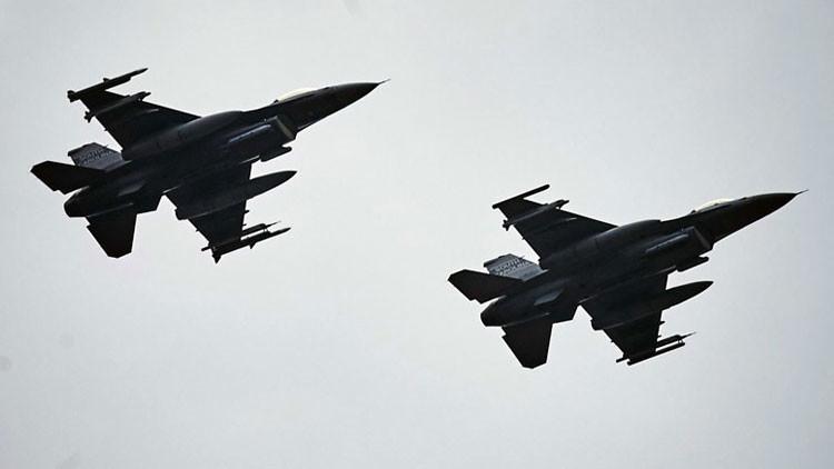 Cazas de EE.UU. bombardean posiciones del EI en Siria desde bases en Turquía