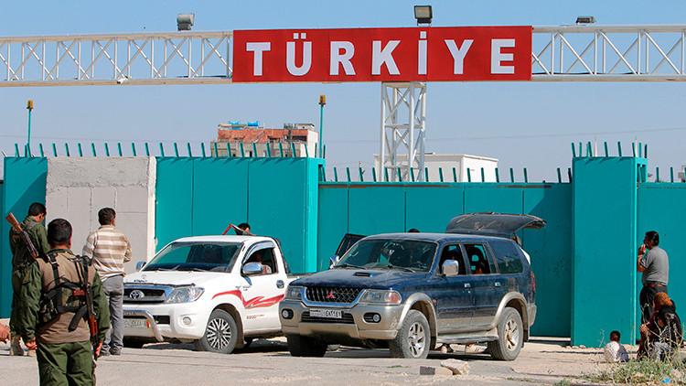Turquía construye un muro de cemento en la frontera con Siria